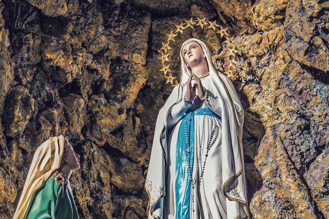 Mês mariano: Conheça as origens e celebrações do mês de maio, dedicado à Maria